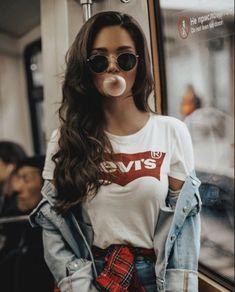 Camila Cabello, my princess! Girl Photography Poses, Fashion Photography, Photography Music, Landscape Photography, Photo Girly, Shotting Photo, Actrices Sexy, Hipster Girls, Hipster Hair