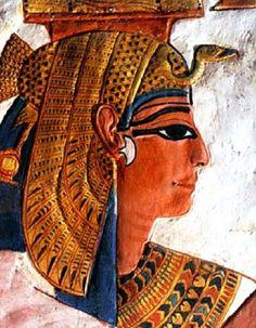 Painting of Nefertari Ancient Egyptian Costume, Egyptian Temple, Egyptian Goddess, Egyptian Art, Ancient Tomb, Ancient Artifacts, Ancient Romans, Monuments, Ancient Egypt History