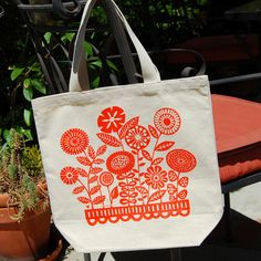 Cotton Canvas Garden Tote by twohanddesign on Etsy https://www.etsy.com/listing/151625985/cotton-canvas-garden-tote