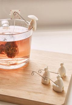 Fishermen tea bag holders, so cute. Could probably make these out of Fimo and wire Tea Holder, Tea Infuser, Tea Strainer, Clay Projects, Clay Creations, Kitchen Gadgets, Kitchen Items, Kitchen Goods, House Gadgets