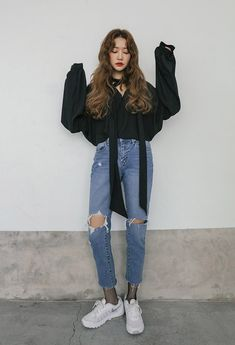 Here is Korean Outfits for you. Korean Outfits image about ulzzang Korean Fashion Kpop, Korean Fashion Trends, Korean Street Fashion, Ulzzang Fashion, Korea Fashion, Trendy Fashion, Korean Fashion Casual, Trendy Style, Korean Fashion School