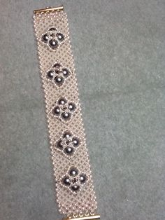 Motif Bracelet.