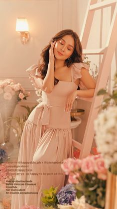 Filipina Actress, Cant Help Falling In Love, Kathryn Bernardo, Wedding Bridesmaid Dresses, Drake, Aesthetic Wallpapers, Asian Beauty, Hair Makeup, Photoshoot