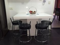 Mesa De Jantar Resina Branca Modelo Verona 1.20 X 0.70 - R$ 1.350,00 em Mercado Livre