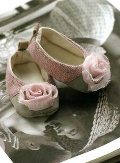 ec// Shabby baby shoes