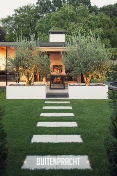 Garden Design Backyard - New ideas Modern Garden Design, Landscape Design, Backyard Patio, Backyard Landscaping, Back Gardens, Outdoor Gardens, Garden Paths, Garden Inspiration, Bed Wall
