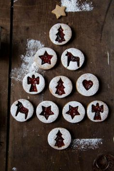 Simple Raspberry Linzer Cookies: These crumbly, buttery bites are what Christmas dreams are made of. Enjoy the tangy taste of raspberry in between these delicious linzer cookies. Find more easy and delicious linzer cookie recipes and ideas for Christmas here.