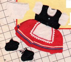 Heidi outfit, Huisgenoot, 13 Sept 1984, page 22. Doll Outfits, Tree Skirts, Baby Dolls, Doll Clothes, First Love, Projects To Try, Christmas Tree, Colour, Holiday Decor
