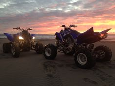 Dirt Bike Couple, Yamaha Raptor, Dubai Holidays, Quad Bike, Four Wheelers, Buggy, Dirtbikes, Street Bikes, Biker Girl