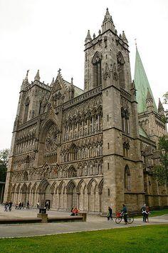 Trondheim: Nidaros Cathedral by Lucio José Martínez González