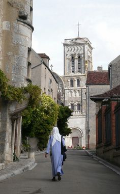The Church of St Mary Magdaleine  in Vézelay – a 12th-century monastic church – is a masterpiece of Burgundian Romanesque art and architecture. - Beautiful July 2006