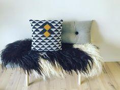 fasters_pind Har leget lidt med mønstrene og synes selv det er blevet fedt #crochet #crochetaddict #crochetlove #instacrochet #tapestrycrochet #pillowcase #geometric #mønstre #hæklerier #hæklet #hækling #homedecor #homedesign #boligindretning #boliginteriør #boliginspiration #pyntepude #handmade #creative