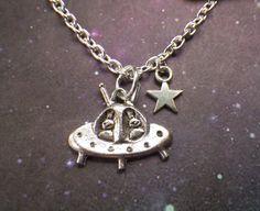 UFO Alien star necklace