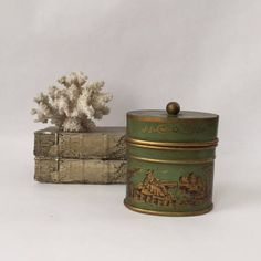 vintage French chinoiserie toleware covered box tole
