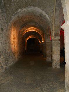 Os subterrâneos - Provins