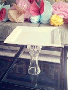 """""""Sincerely Peachy"""": Cake Stand DIY"""