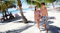 Turismen har blivit en stor inkomstkälla för Kuba. Här njuter Katie Scott och Adam Boylin från Essex, Storbritannien, på paradisön Cayo Blanco. Nästa vinter blir det även fler svenskar på Kuba, då både Ving och Fritidsresor följer efter Apollo och börjar köra charter hit.