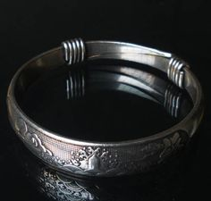 Chinese Tibet Silver Happiness  immense as the eastern sea (福如东海) Bangle EB2029