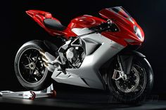 Front 3/4 view of 2014 MV Agusta F3 800 sportbike
