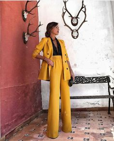 Formal blazer suits for women - If you select trousers, make sure they're acceptable attire at the company in which you need to do the job. You shoul. Classy Outfits, Fall Outfits, Casual Outfits, Cute Outfits, Suit Fashion, Work Fashion, Fashion Outfits, Style Fashion, Fashion 2018