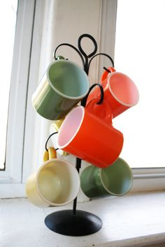 Vintage Coffee Mug Holder with 6 Colorful Mugs by wearvintology