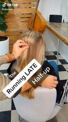 If you need to to late to a power-brunch, but still, do your hair. click through for more babe tips Late Coiffure Running Late Hairstyles, Easy Hairstyles For School, Latest Hairstyles, Bride Hairstyles, Summer Hairstyles, Cute Hairstyles, Brunch, Honey Blonde Hair Color, Top Fashion