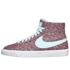 Nike Store France. Chaussure Nike Blazer Mid Premium Liberty iD pour Femme  ...for when I'm a pharmacist & wear cool sneakers to work :) lol