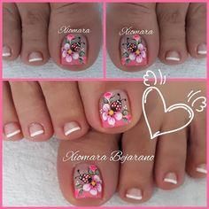 Pedicure Designs, Pedicure Nail Art, Toe Nail Designs, Pretty Toe Nails, Cute Toe Nails, Gold Nails, Pink Nails, Nail Art Designs Videos, Feet Nails