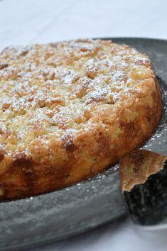 Mumsig äppelkakspaj Baking Recipes, Dessert Recipes, Desserts, Grandma Cookies, Weekday Meals, Let Them Eat Cake, I Love Food, Cake Cookies, Baked Goods