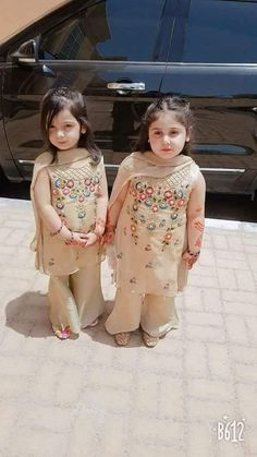 Baby Girl Dresses Zara 31 New Ideas Frocks For Girls, Kids Frocks, Dresses Kids Girl, Girl Outfits, Flower Girl Dresses, Toddler Dress, Baby Dress, Indian Baby Girl, Kids Party Wear
