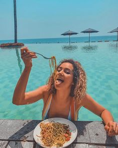 Discover recipes, home ideas, style inspiration and other ideas to try. Travel Pictures, Cute Pictures, Bilal Hassani, Tropical Girl, Star Francaise, Girl Inspiration, Instagram Girls, Illustration Girl, Mykonos