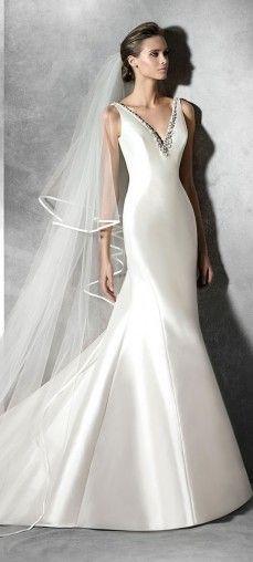 pronovias-2016-wedding-dresses-PLUANNE_B