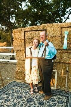 cute farm wedding photo booth idea