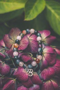 Pulsera de Jade Multicolor de IridescenceCrystals en Etsy