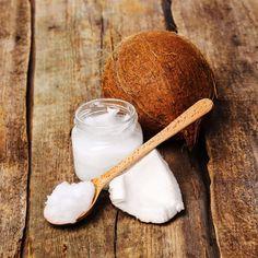 Kokosolja är närmast en mirakelprodukt för din kropp och ditt hår. Här hittar du smarta tricks för hur du använder det i håret, på huden och i ansiktet.