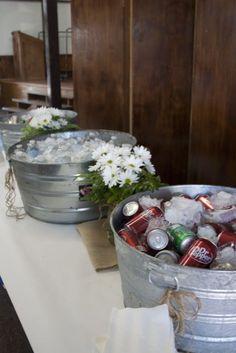 burlap graduation party ideas | drink station. graduation party. burlap. butcher paper. daisies ... by hgriem