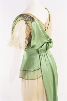 Fripperies and Fobs — Worth evening dress ca. 1910 From the Bunka...