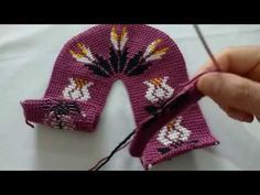 TUNUS İŞİ PATİK LALE MODELİ🌷🌷🌷🌷🌷 - YouTube Lace Patterns, Baby Knitting Patterns, Gloves, Crochet, Winter, Tabata, Youtube, Crochet Curtains, Fuzzy Slippers