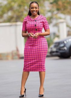 Serwaa Amihere is known for wearing classic dresses on set which inspire many young ladies. From corporate wear, casual wear, African prints and more. Short African Dresses, Latest African Fashion Dresses, African Print Fashion, Dress Fashion, African Dress Styles, African Prints, Fashion Outfits, Classy Work Outfits, 30 Outfits