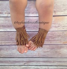 Barefoot sandals fringe barefoot sandals by Sofiasthreadboutique Baby Sandals, Bare Foot Sandals, Baby Barefoot Sandals, Baby Gladiator Sandals, Boho Baby, My Baby Girl, Tiaras, Baby Crib Shoes, Beautiful Sandals