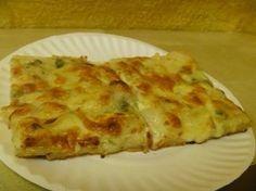Placinta de cartofi cu branza Moroccan Bread, Appetizer Recipes, Appetizers, Mouth Watering Food, Potato Recipes, Deserts, Food And Drink, Pizza, Cheese