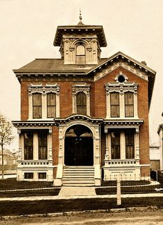 heyjennicakes: Hodge/Ash House, 83/245 Alfred St, Brush Park, Detroit by Equinox27 on Flickr.