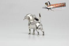 Vakkancs miniszobor kutyás ékszerek - Beagle ezüst miniszobor medál Beagle Dog Breed, Hungary, Sterling Silver Pendants, Dog Breeds, The Incredibles, Jewels, 3d, Artist, Handmade