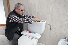 Many toilet repairs are DIY-friendly, requiring few (if any) basic hand tools. So don& call a plumber; get the solutions for the most common problems here. Toilet Repair, Basic Hand Tools, Best Bathroom Designs, Bathroom Ideas, Plumbing Tools, Plumbing Problems, Home Fix, Diy Home Repair, Home Gadgets