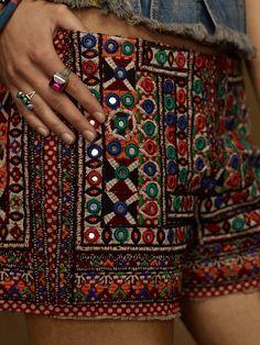 ╰☆╮Boho chic bohemian boho style hippy hippie chic bohème vibe gypsy fashion indie folk the . Hippie Chic, Hippie Style, Hippie Elegante, Mode Hippie, Bohemian Mode, Boho Gypsy, Bohemian Style, Boho Chic, Hippie Bohemian