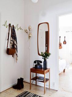 Cada vez mais prática, a decoração permite que certos hábitos sejam incorporados à rotina, sem que o charme e a funcionalidade da casa sejam comprometidos. O hábito ajuda, ainda, a manter os ambientes mais limpos. Veja algumas dicas para adotar a prática.