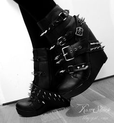 roseshock:    My new shoes from Backstreet! Absolutely love these ♥