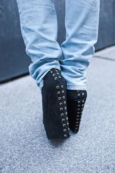 Thomas Unterberger Photography, Sophie Andersen Styling - wedges, details, heels, jeans