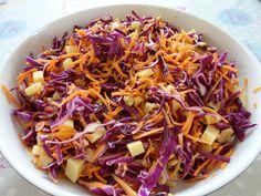 Coleslaw : choux rouge, noix, cantal doux, raisins