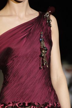 Valentino at Couture Fall 2005 - Details Runway Photos Burgundy And Gold, Burgundy Wine, Burgundy Color, Deep Burgundy, Magenta, Purple, Marsala, Pale Dogwood, Shades Of Maroon